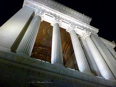 Roma, altare della patria o Vittoriano (Adriano_2) Tags: europa italia lazio roma altaredellapatria monumento sacrario architettura colonne colonnato esterni notte corinzio prospettiva dalbasso contrasto elevazione luci illuminazione vittoriano