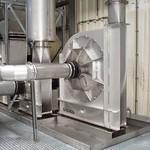 3 RVS ventilatoren met geluiddempers en leidingwerk