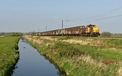 Boskoop, 6455 met wagens van Electrolux (Ahrend01) Tags: electrolux 6455 geelgrijs ns cargo klaas abel boskoop zaanse rietveld