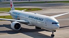 JA733J - Boeing 777-346ER - LHR (Seán Noel O'Connell) Tags: japanairlines jal ja733j boeing 777346er 777 773 jetkei heathrowairport terminal3 lhr egll hnd rjtt 27r jl043 jal43
