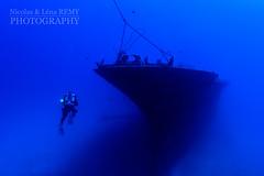 Approaching the Sea Tiger (Nicolas & Léna REMY) Tags: wreck underwater ocean boat rebreather america nauticam poseidon honolulu oahu usa hawaii inon pacificocean amerique bateau diving hawaï mer photography plongée recycleur scuba sea épave étatsunis