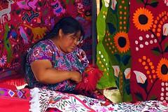 Chiapas-Personajes (jaropi) Tags: indgenas mxico sancristobaldelascasas tianguis artesanas chamulas templodesantodomingo vendedorescallejeros estadodechiapas