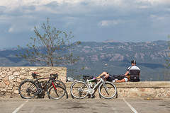 Resting at the Top (zbdh12) Tags: barcelona travel mountains color canon eos spain europa europe catalonia 6d northernspain