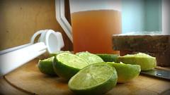Papelon with lemon (Gahbead) Tags: verde green frutas fruits