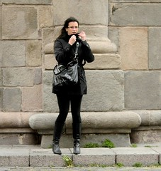 La morocha en el viento (carlos_ar2000) Tags: street woman storm sexy girl beauty uruguay calle mujer pretty chica wind gorgeous viento linda tormenta bella montevideo brunette mirada glance ciudadela morocha