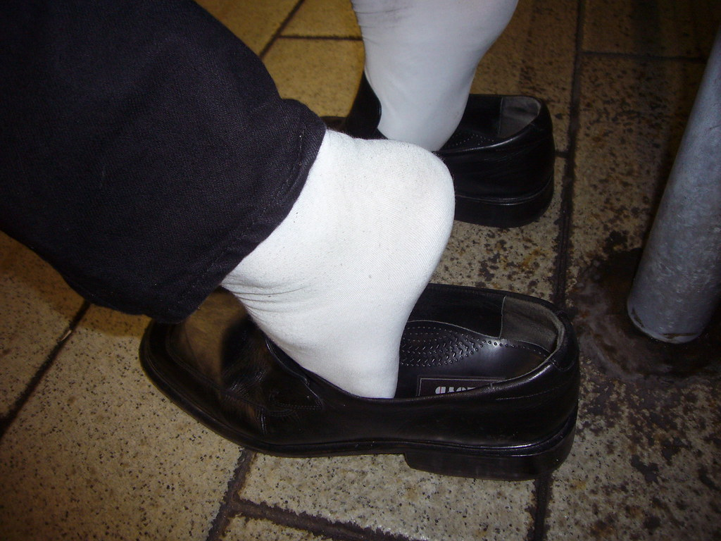 Cumming for feet - 1 1