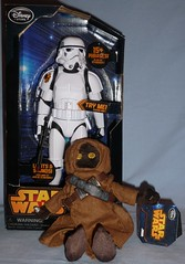 Disney Store - Star Wars (Darth Ray) Tags: storm trooper star store disney stormtrooper wars talking jawa