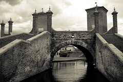 Trepponti, Comacchio, Ferrara, Emilia Romagna (william eos) Tags: monumento comacchio trepponti deltadelpò pontepallotta williamprandi