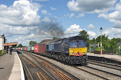 66418 (Geoff Griffiths Doncaster) Tags: leamington spa freightliner 66418