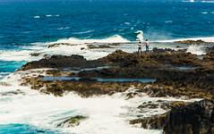 Together on the rocks (Roberto Celanova) Tags: ocean sea love grancanaria rock mar nikon couple rocks waves pareja canaryislands islascanarias 18105 lagarita d5200