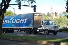 Bud Light Freightliner (AZ Ashman 88) Tags: truck semi budlight budweiser 18wheeler beertr
