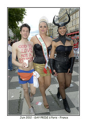 2012-06-GayPride-Paris_0451w (BELHASSEN Gerard) Tags: gay woman paris france love sex lesbian photography yahoo google photos femme pride parade homo sexual gaypride trans secours soeur gerard femmes homme 2012 hetero defilé lesbien homosexuel belhassen perpetuel