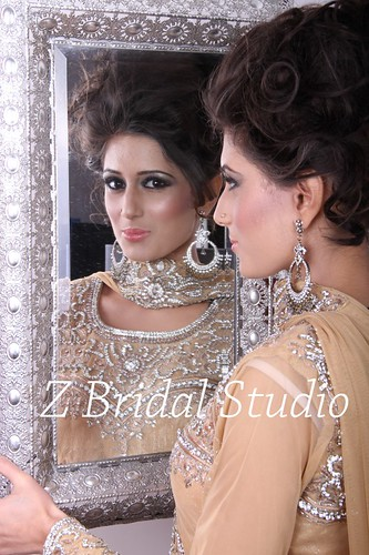 "Z Bridal Makeup Training Academy  58 • <a style=""font-size:0.8em;"" href=""http://www.flickr.com/photos/94861042@N06/14781428423/"" target=""_blank"">View on Flickr</a>"