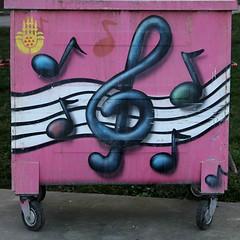 neşeli çöpler-11 (zeynepyil) Tags: art painting garbage istanbul sanat çöp