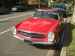 Bright red Mercedes 280 SL Automatic (Su_G) Tags: sug 2017 red car auto mercedes sydneynsw mercedes280slautomatic brightred redcar