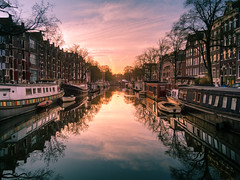 Amsterdam Brouwersgracht (Massimiliano Teodori) Tags: amsterdam brouwersgracht channel dawn houseboat canons95 morning sun clouds water netherlands