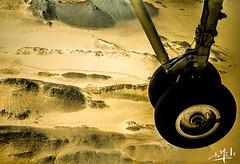 Arrivée sur Djanet / Arrival on Djanet - Tassili n'Ajjer - Algérie/Algeria/ الجزائر (1981) (christian_lemale) Tags: djanet جانت désert desert sahara الصحراء tassili najjer طاسيلي ناجر algérie الجزائر algeria 1981