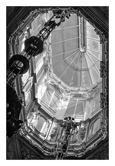 PALACIO DE LA BOLSA  ( Oporto-Portugal ) (RAMUBA) Tags: palacio palace bolsa oporto porto portugal claraboya skylight bw
