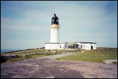 Cape Wrath Lighthouse (Fotorob) Tags: verenigdkoninkrijk stevensonrobert architecture vuurtoren schotland analoog kustenoevermarkering wegenwaterbouwkwerken scotland architectura architectuur durness highland