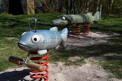 Auf dem Trockenen.... Trockenfisch... (julia_HalleFotoFan) Tags: germany balticsea ostsee spielplatz mecklenburgvorpommern inselpoel kstenweg