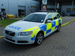 OU12FNZ Hertfordshire Police Volvo V70 Estate (graham19492000) Tags: police policecar volvov70estate hertfordshirepolice ou12fnz