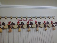 Bandô com galinhas (Cleide Patch e Afins) Tags: cortina coração patchwork decoração cozinha tecidos galinhas enfeite botões enxoval bandô