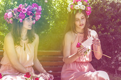 un poema, una flor, el amor (AmoryLuz ♥ Love&Light) Tags: park parque flores flower color love primavera canon spring lovelight