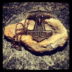 Schonenhammer (alekevilhelmsdottir) Tags: hammer bronze necklace thor vikings viking schmuck scania kette thorshammer mjlnir wikinger asatru asen vanen schonenhammer mjoelnir