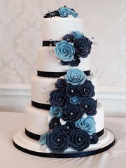 Blue Roses Wedding Cake