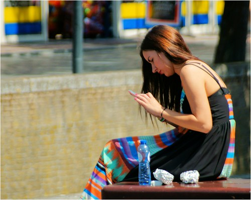 Smartphone Girl by Hindrik S, on Flickr