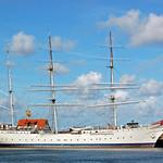 Segelschulschiff »Gorch Fock (1)« im Stralsunder Hafen vor Anker (1) thumbnail