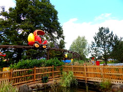 50 Top Photos - Get Set Go Treetop Adventure (ThemeParkMedia) Tags: family get set go towers adventure bbc merlin land childrens shows rides alton attraction attractions treetop cbeebies entertainments