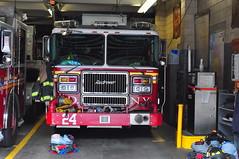 FDNY Engine 24 (Triborough) Tags: nyc newyorkcity ny newyork manhattan engine firetruck fireengine fdny greenwichvillage seagrave newyorkcounty newyorkcityfiredepartment engine24
