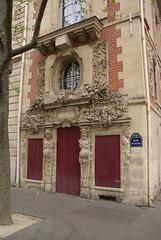 Old Building Quai des Clestins Paris (Junagarh) Tags: paris france building arrondissement oldbuilding parisian laseine junagarh quaidesclestins paulandrews junagarhmedia carolineschmutz