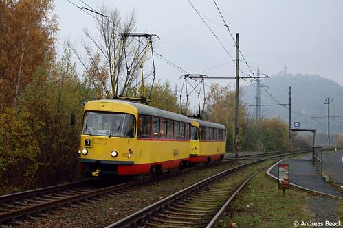 Most (CZ), 05.11.16, T3SUCS 233+269 an der Haltestelle Souš