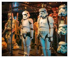 Stormtroopers & Boba Fett (Gretsch*) Tags: london londres angleterre england leicam240 leicasummicron35mmf20asph starwars starwarsidentitiesexhibition o2london leicamptyp240