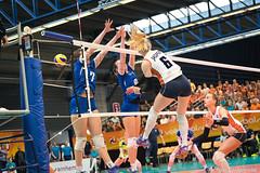 2017-04-08 EK U18 Ned - Slo (29a) (Peter Donderwinkel) Tags: ekmeisjesu18 nederland teamholland slovenië valkenhuizenarnhem papendal volleybal volleyball sportphotography teamsport indoor ek canon nevobo volleybalnl oranje