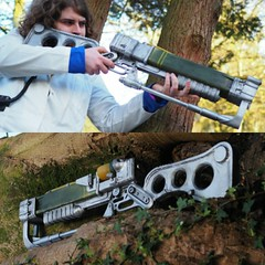 Fallout Laser Rifle (McCluckles) Tags: fallout4 fallout3 falloutnewvegas prop guns weapons costume cosplay weapon laserrifle