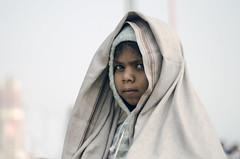 முகம் (Kals Pics) Tags: face portrait cwc chennaiweekendclickers roi rootsofindia life people travel kasi varanasi banares uttarpradesh india eyes turban veil expressions girl kid kashi benares kalspics