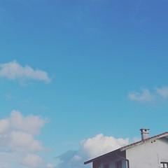 Nubes de algodón (argi) Tags: nubes algodón cielo azul simply minimal minimalismo minimalove