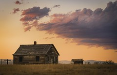Sunset over High Plains Homestead - Boulder County, Colorado (www.rootsstudiophoto.com) Tags: frontrange plains homestead oldhouse building field farm colorado longmont bouldercounty sunset clouds light weathered coloradophotography frontrangephotography landscapephotography bouldercountyphotography