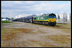 RTB-V267+autowagens_Awhvw_19042017 (Dennis Koster) Tags: rtb class66 pb17 v267 autotrein trein goederentrein nissan amsterdamwesthavenwest