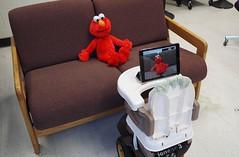 Tot Bot fiziksel engelli bebeklerin merakını gideriyor (Teknoformat) Tags: bebek beşik çocuk çocukarabası dokunmatik fizikselengelli haber kamera oyuncak totbot