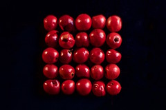 Red seeds (•Nicolas•) Tags: poivre colonnes rows baies carré composition condiment flash graine graines macro seeds red rouge seed square studio carré macromondays memberschoiceseeds nicolasthomas noir black pepper