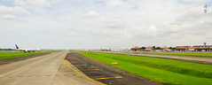 Heading to the runway (A. Wee) Tags: jakarta indonesia 雅加达 cgk airport 机场 印尼 runway