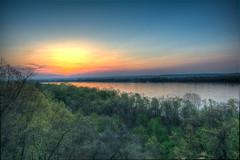 Mississippi Sunrise (EEngler) Tags: 2017 spring whitehouse whitehouseretreat sunrise retreat mississippi mississippiriver river sunset