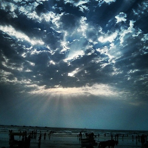 #Awesome view #sun is hiding behind the #clouds #beautiful #sky