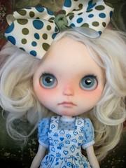 Baby Blues..... (simplychictiques) Tags: blythe freckles whitemohair rosieegelutiedress toletolecustom ooakcustomizedblythedoll hpolyinwonderlandeyechips woolrerootbypariszhenpink