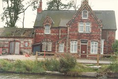 """Crowle Wharf - Bridge Cottage • <a style=""""font-size:0.8em;"""" href=""""http://www.flickr.com/photos/124804883@N07/14245291013/"""" target=""""_blank"""">View on Flickr</a>"""