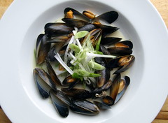 Mussels in Garlic Butter Sauce (Tony Worrall) Tags: uk england food make menu yummy nice dish photos tag cook tasty plate eaten things images x made eat foodporn add meal seafood taste dishes cooked tasted mussels grub iatethis foodie flavour plated foodpictures ingrediants picturesoffood photograff foodophile ©2014tonyworrall